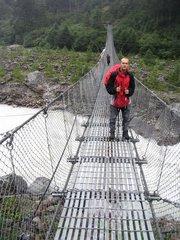 На един от мостовете по които минахме през деня.